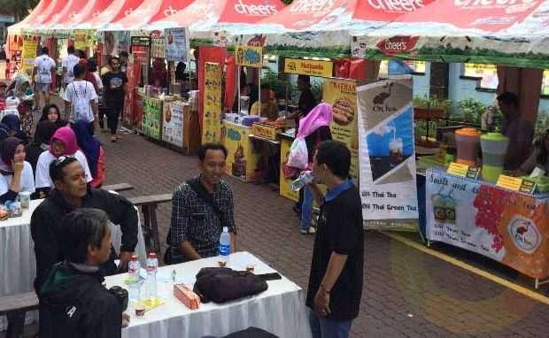 Tips berjualan laris di stan bazar